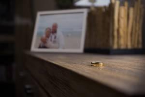 Trennungsjahr Sceidung Foto Paar Ehering