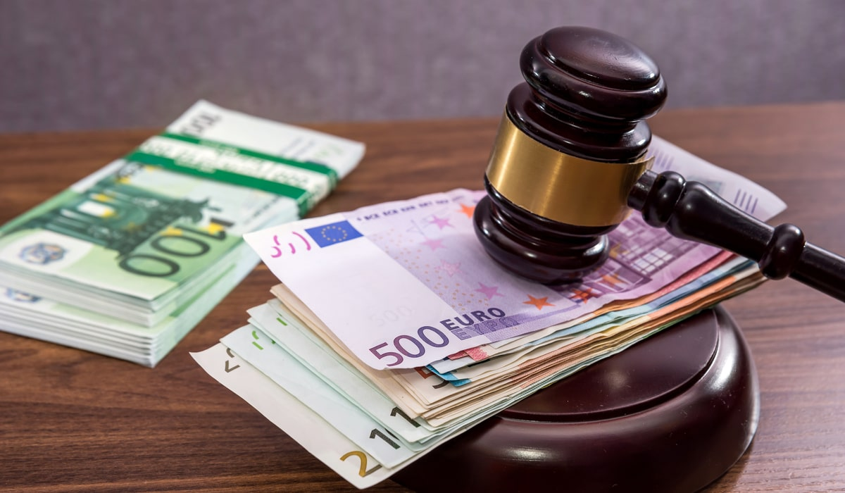 Richterhammer auf viel Geld